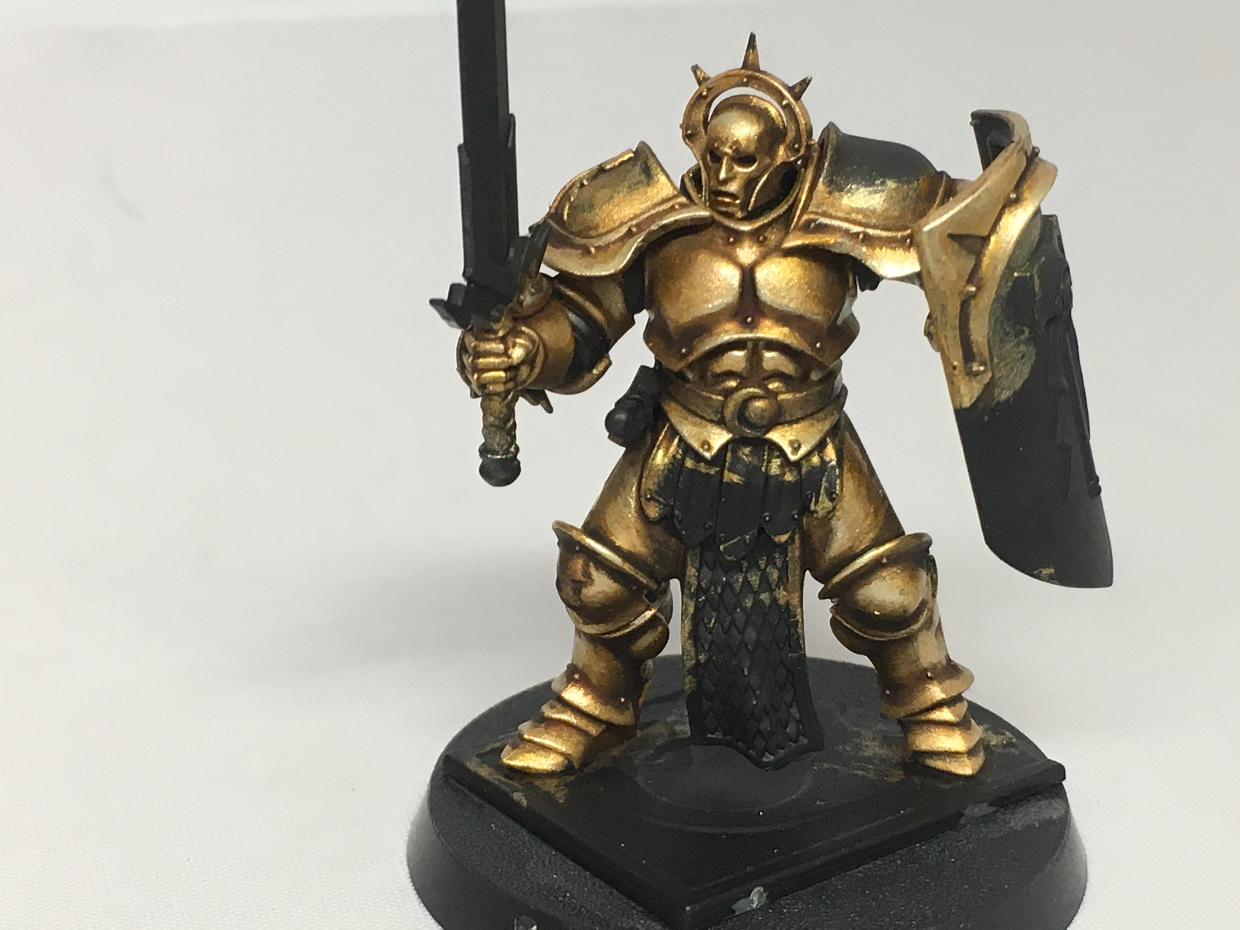 Stormcast-Eternal-gold-armour